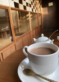 縁側席、良いです☆彡 - Kyoto Corgi Cafe