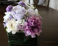 白と紫 福岡アーティフィシャルフラワー - アーティフィシャルフラワー THE LIGHTS(ザ・ライツ)