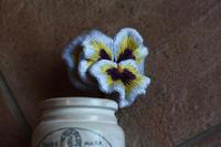 花弁のフリルの表現方法を見つけました - フェルタート(R)・オフフープ(R)立体刺繍作家PieniSieniのブログ