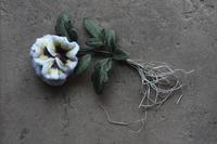 フリルパンジーの完成 - フェルタート(R)・オフフープ(R)立体刺繍作家PieniSieniのブログ