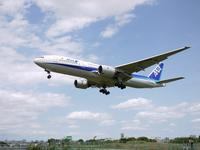 伊丹空港 千里川(ANA B777-281 JA714A) - エキサイトな旅をさがして。