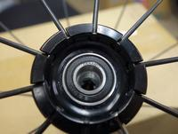 ロードバイクホイールセラミックベアリング圧入完了ロードバイクPROKU -   ロードバイクPROKU