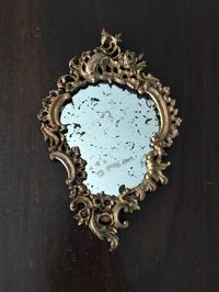 透かし彫りレリーフブロンズ縁の壁掛け鏡 - スペイン・バルセロナ・アンティーク gyu's shop