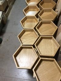 ナラ材の六角棚 - 手作り家具工房の記録