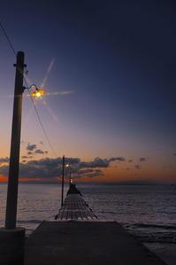 桟橋の光 - 風の香に誘われて 風景のふぉと缶