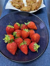 苺と唐揚げ - めでこのゴハンノオト