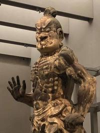奈良国立博物館にて国宝仁王門の金剛力士像の公開が始まりました! - 吉野山 吉野荘湯川屋 あたたかみのある宿 館主が語る