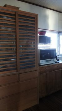 リストラされた食器棚再活躍 - インテリア今昔 築37年