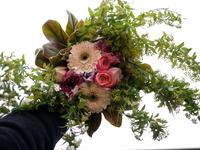 定期的にお届けしている花束。2021/02/22。 - 札幌 花屋 meLL flowers