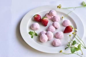【レシピ】いちごのスノーボール - honey+Cafe