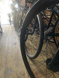 クロスバイクの在庫が。 - 自転車屋 TRIPBIKE