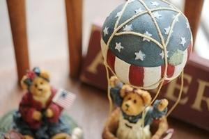 アメリカンな気球に乗ったBoyds Bear -
