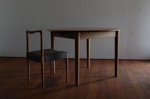 テーブル -