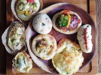 1つの生地で8種類16個のパンを焼く - 好食好日