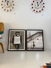 Banksy「Laugh Now」「Red Balloon」 - GLASS ONION'S BLOG