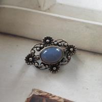 カルセドニーのヴィンテージブローチ - vintage & antique スワロー商會