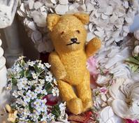 パリの蚤の市から大阪へ*黄色のクマちゃん・蝶々の妖精 - BLEU CURACAO FRANCE