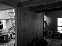 様々に立ち現れる空間をくぐりぬけてゆく横須賀鴨居T計画 - 横須賀から発信|小形 徹 * 小形 祐美子 プラス プロスペクトコッテージ 一級建築士事務所