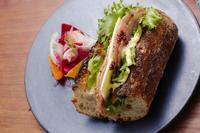朝ごパン 豚頬肉の煮込みとサンドイッチ - MOONBEAMS Ⅱ