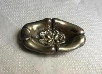 ピューター花のレリーフのミニ灰皿 - スペイン・バルセロナ・アンティーク gyu's shop