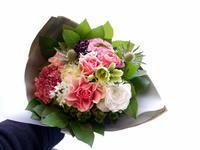 退職される方への花束。「ピンク濃淡メインで」と、ミニブーケ2種。2021/03/21。 - 札幌 花屋 meLL flowers