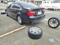 タイヤ交換の一台目を済ませます - 浦佐地域づくり協議会のブログ