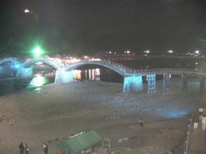 岩国錦帯橋観光情報~錦帯橋の桜も満開です。夜間は幻想的なライトアップ。 - 写真見てください!
