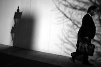 東大通で光と影だけを見ている、20210319 - Yoshi-A の写真の楽しみ