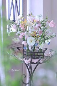 3月Living flower 『Pastel color flower bottle arrangement』 - Le vase*  diary 横浜元町の花教室
