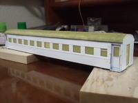 16番紙製スハ43 2輌目 その26 白サフ吹き、屋根塗装、デッキ手摺り取付、再マスキング - 新湘南電鐵 横濱工廠3
