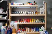 自作シリーズ塗料棚編 - リチャードギアがボコボコにされて「帰る場所がない!」ってなるとこ好き
