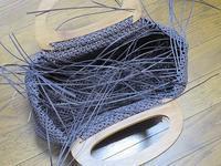 石畳編みの手提げかご、マチ部分編み上げ~&すずらん - あれこれ手仕事日記 new!