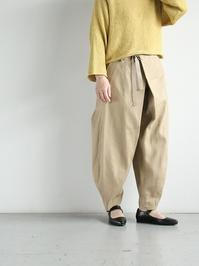 ASEEDONCLOUDPerformance trousers / Sakurashi oxford - Beige - 『Bumpkins putting on airs』