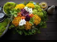 お母様のお誕生日にアレンジメント。「黄色~オレンジ等」。2021/04/03。 - 札幌 花屋 meLL flowers
