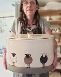 ひつじのパン入れひつじのコレクションサラさんより - ブルーベルの森-ブログ-英国のハンドメイド陶器と雑貨の通販