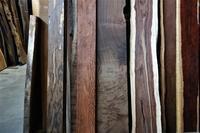 木の色、肌の色、世界の色 - SOLiD「無垢材セレクトカタログ」/ 材木店・製材所 新発田屋(シバタヤ)