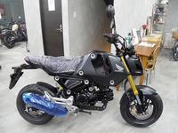 ニュー「グロム」ブラック入荷! - バイクの横輪