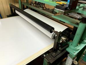 広幅両面テープ貼り(吸盤補助板事例) - 貼りもん屋のあれこれ