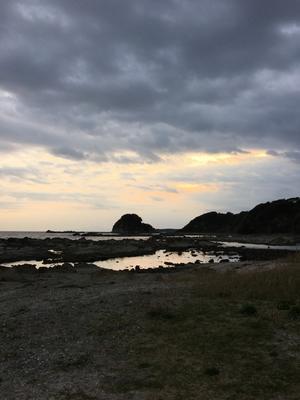 海沿いの突貫キャンプ - ジェベルでツーリングとキャンプ