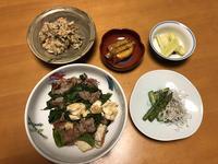 高菜と豆腐の豚肉炒めと、卯の花煮と、焼きアスパラのしらすオリーブオイルと、セロリのライム漬け、それにお味噌汁 - かやうにさふらふ