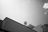 ビルの上の宇宙船 - 節操のない写真館