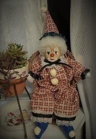 出窓の住人?クラウン人形の衣装を作り変えました - 風恋華Diary