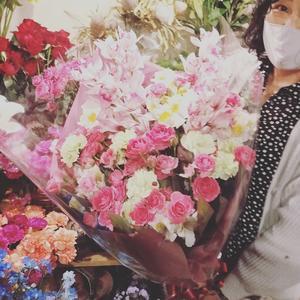 シンビジウムを使った... - 目黒区 都立大の 花屋  moco    花と 植物で楽しい毎日     一人で全力で営業中