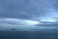 琵琶湖の滝落とし - お花畑で微笑んで**