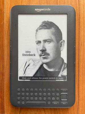 みっちの電子書籍歴10年を支えたKindle 3 Keyboard、どっこい、まだ現役です、の巻。 - If you must die, die well みっちのブログ
