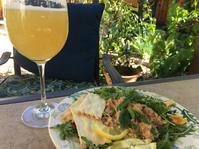 庭で遊ぶ午後(ビール付き) - ちょっと田舎暮らしCalifornia