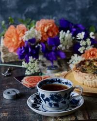 バラのある食卓 - ゆきなそう  猫とガーデニングの日記