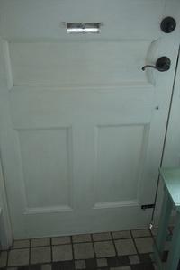 ドアをペンキ塗り - *Cocon*