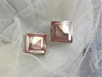 ピンクの貝とシルバーの四角いピアス215 - スペイン・バルセロナ・アンティーク gyu's shop