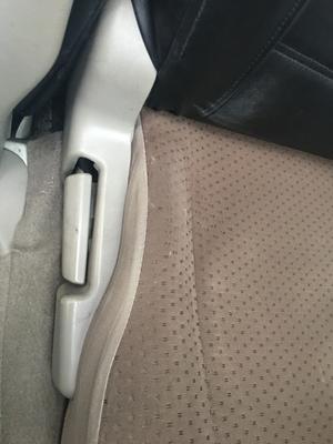 エブリィの運転席シート補修 - モモとout doorに行こう!